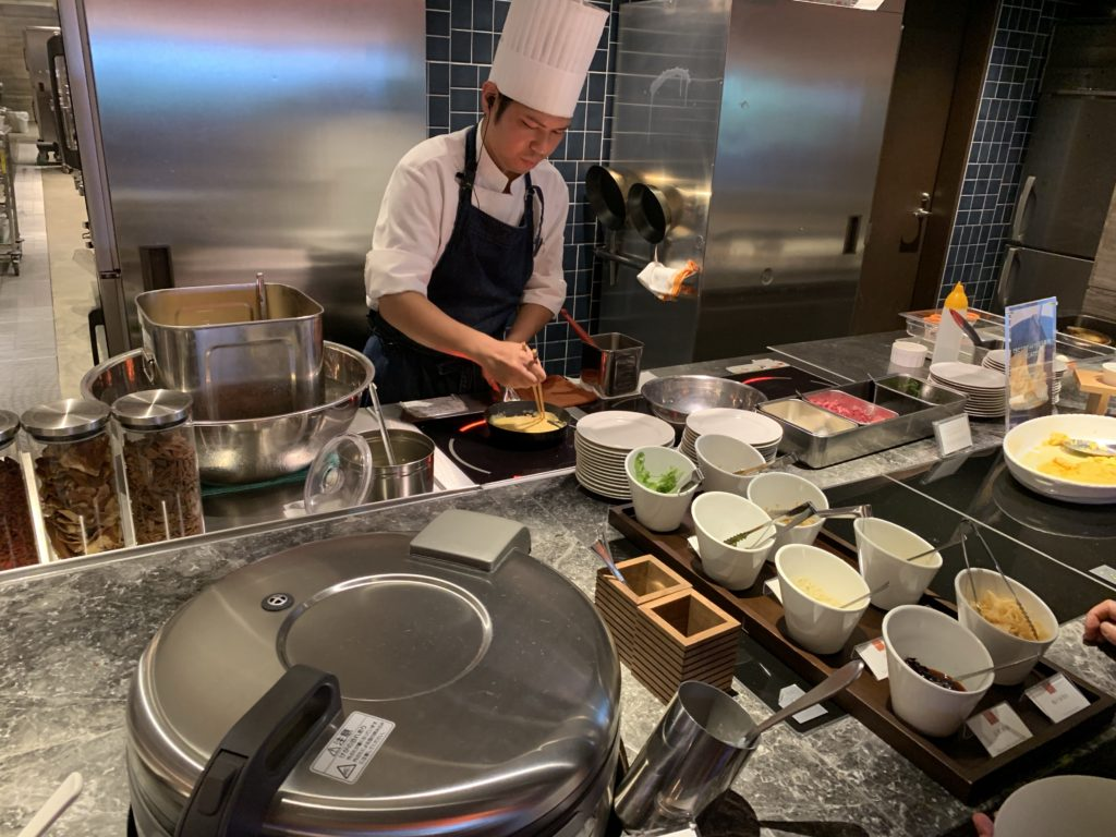 石垣島の朝食オムレツ