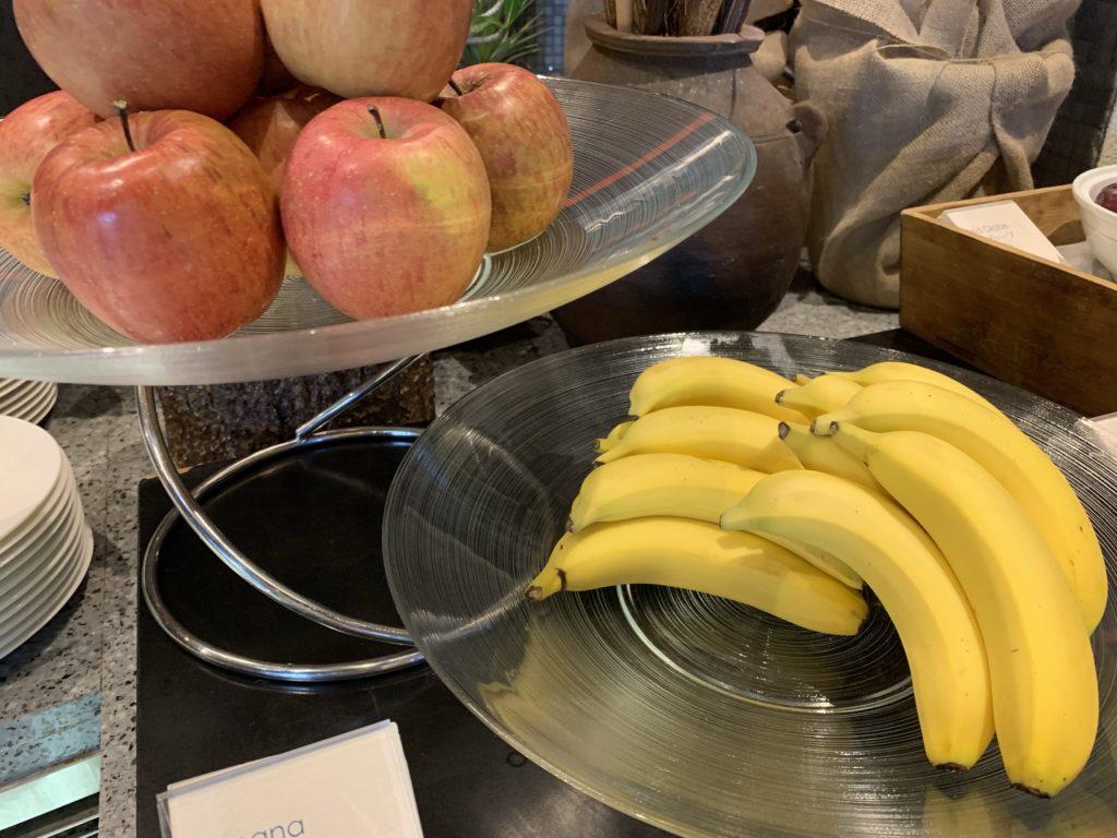 バナナとリンゴ