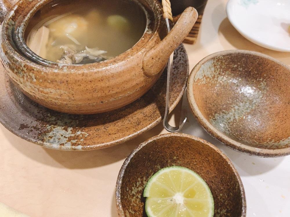 土瓶蒸し風のスッポンのスープ